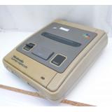 Super Famicom konsol - tidig modell, gulnad