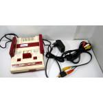 Famicom konsol med AV-utgång + 1 spel