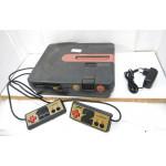 Twin Famicom (grå), ej restaurerad + rem